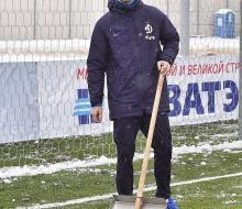 Твиттер «Динамо»: «К уборке снега подключились футболисты!»